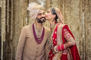 Newlyweds Sonam-Anand share an adorable post