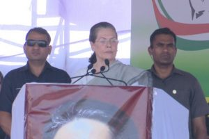 Karnataka polls: Sonia Gandhi takes on PM Modi in sharpest ever attack