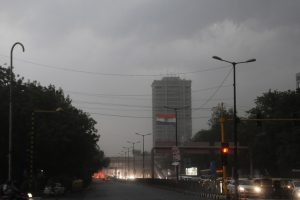 Delhi may be hit by strong winds, mercury to touch roof