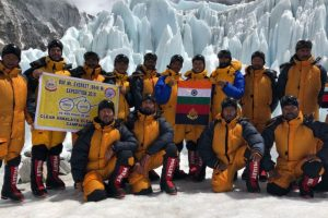 15-member BSF team scales Mt Everest, six are from Himachal