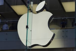 Apple, Samsung settle epic patent infringement battle