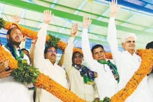 Farmers forced to pay crop insurance premium: Chautala