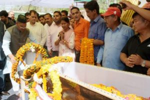 U'khand CM pays tributes to martyred soldier
