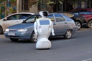Robot flees, Robot speaks