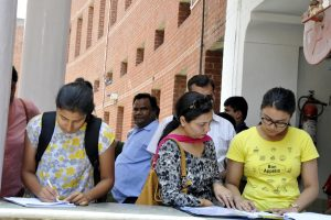Delhi University releases third cut-off, English, Economics still on offer