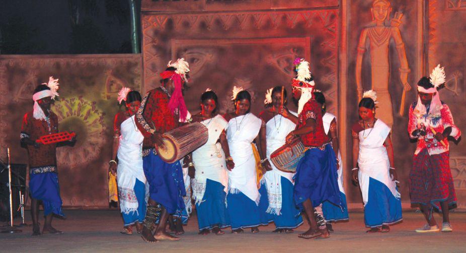 Dwaronda, Santiniketan, dance forms, Ho Munda dance