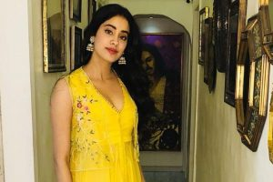 Want to earn same kind of love as mom, says Janhvi Kapoor