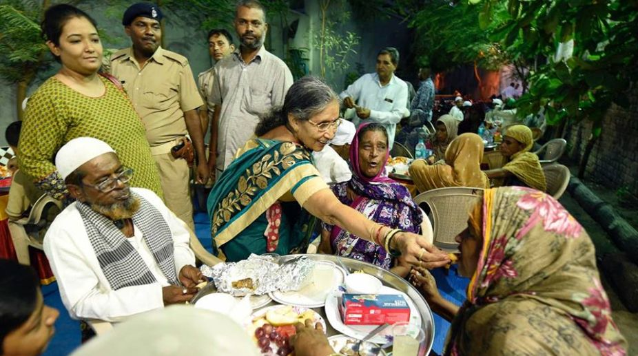 Jashodaben, Prime Minister, Narendra Modi, Iftar party
