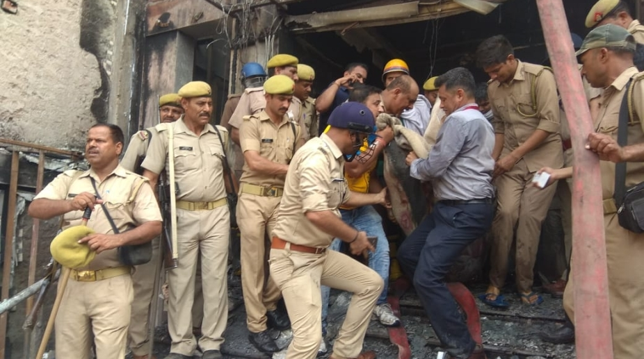 Lucknow Fire (2)