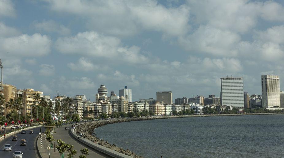 Marine Drive. Mumbai, Maharashtra, Mumbai Police