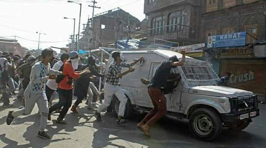 Miscreants attack CRPF personnel