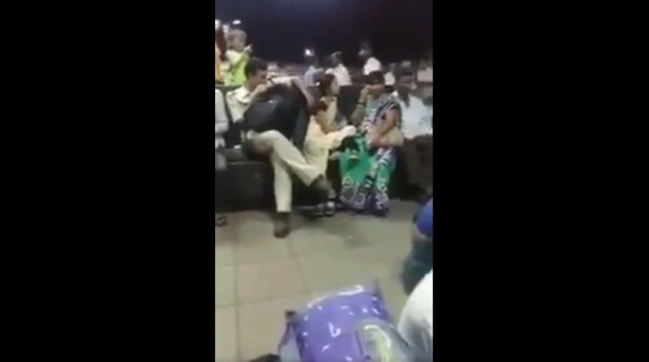 Mumbai, Railway Police, Constable, Molestation, Maharashtra