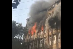 2 firemen injured as building collapses in Mumbai after massive fire