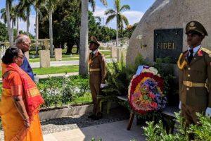 President Kovind pays tribute to Fidel Castro in Cuba