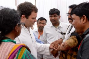 Farmers' loan in MP will be waived in 10 days if Cong comes to power: Rahul Gandhi