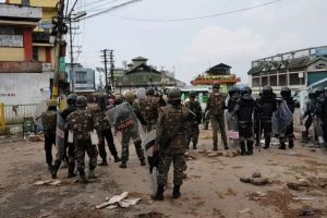 Fresh clashes in Shillong, 1,000 central paramilitary personnel sent
