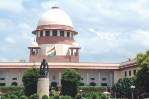 SC appoints third judge in AIADMK MLAs diqualification case