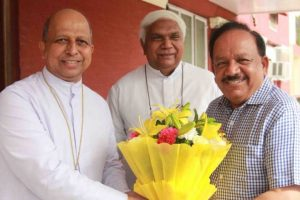 BJP Sampark for Samarthan | Harsh Vardhan meets Archbishop Anil Couto