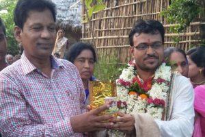 Groom receives 1001 saplings as wedding gift