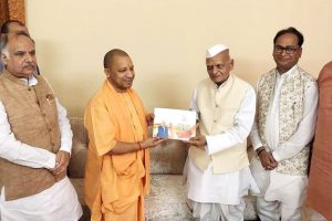 Yogi Aditynath meets six eminent persons to seek support for BJP in 2019