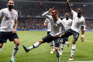 France look convincing in win over Italy