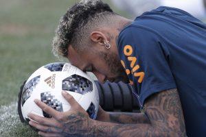 Mexico captain calls out Neymar for embellishment
