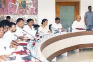 Odisha CM reaffirms promise to educate tribal child