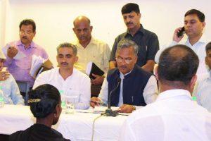 Uttarakhand CM loses temper in Janata Milan programme