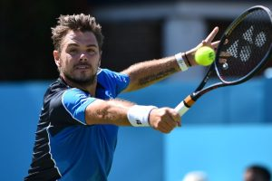 Wawrinka ends wretched run with solid start at Queen's