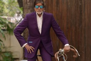 I give back less than I receive: Amitabh Bachchan