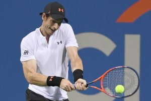 Andy Murray's troublesome hip survives McDonald scare in Washtingon
