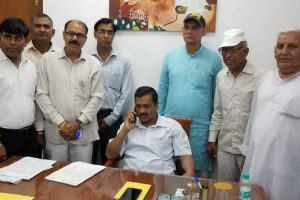 Kejriwal meets Rajnath Singh to discuss new impasse with L-G