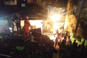 One dead, four injured as building collapses in Bhiwandi