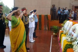 Sitharaman, service chiefs pay homage to Kargil martyrs