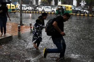 Short spell of heavy rain brings traffic to a standstill in Delhi, again