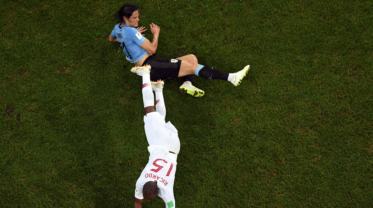 2018 Fifa World Cup Uruguay Forward Edinson Cavani Not Ruled Out Of Qf