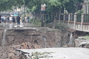 Rains lash parts of Delhi-NCR; road caves in Ghaziabad