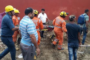One killed, several injured as building collapses in Ghaziabad