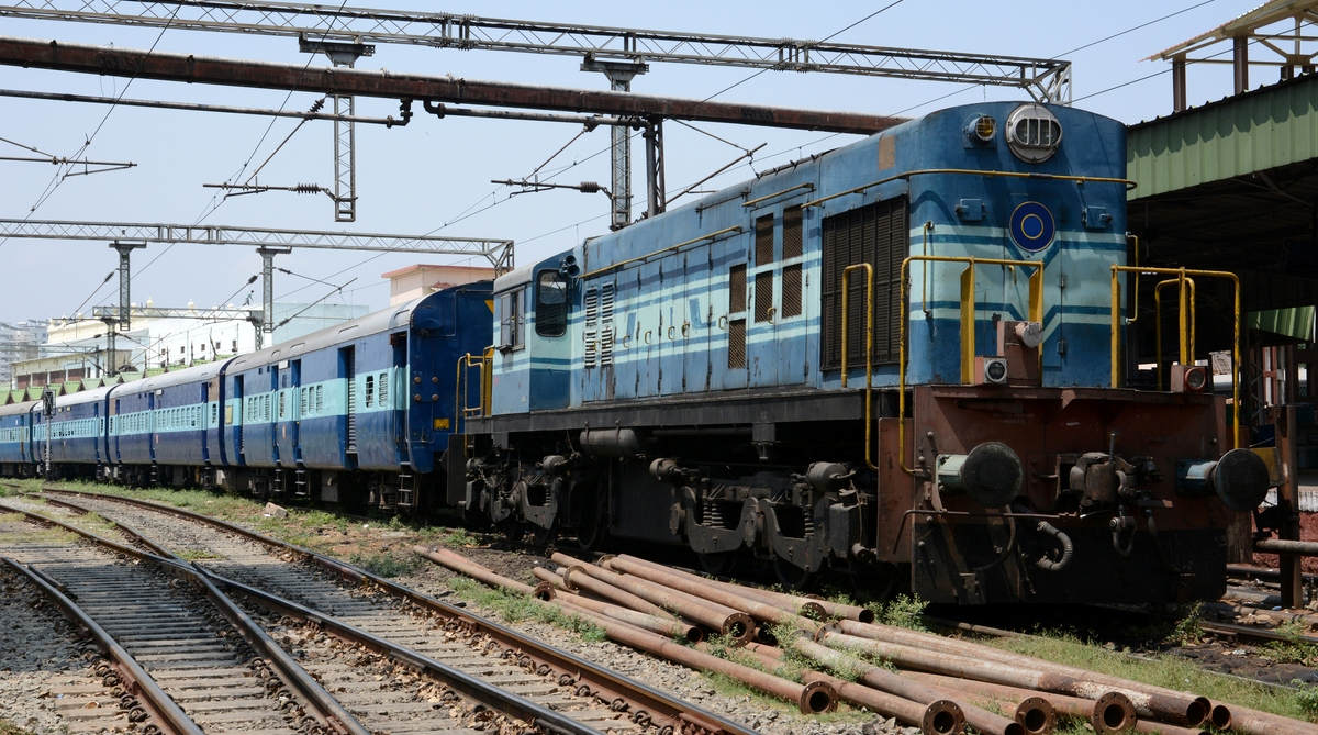 bedhseets missing, towels missing, AC coaches, Indian Railways, passengers