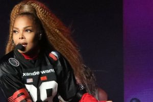 Janet Jackson returns to stage with a bang