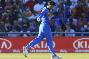 Rahul, Kuldeep architect India's 8-wkt win in first T20I