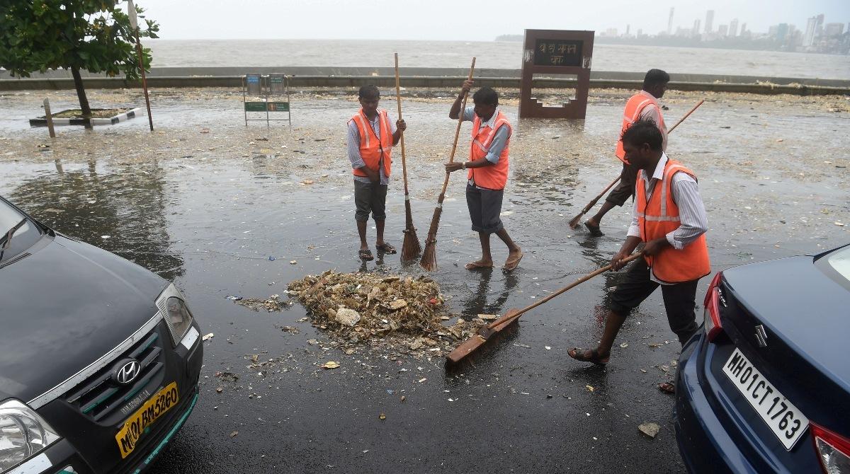 Marine Drive Mumbai garbage