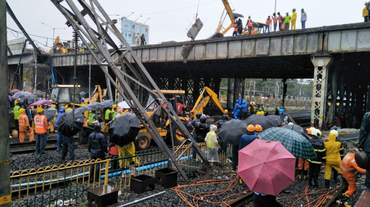 Mumbai railway Bridge collapse