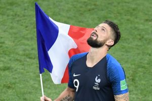 France, Chelsea forward Olivier Giroud comes good on promise to shave head after World Cup win