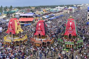 Devotees brave rain, humidity for Rath Yatra of Lord Jagannath