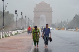 Delhi sees scattered rain on Sunday, to see light showers the week