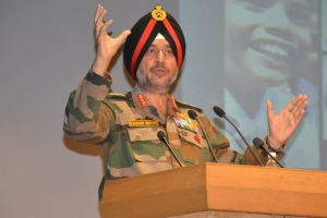 Army Commander stresses self-sufficiency in technology