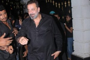 Sanjay Dutt hurls abuses at photographers | See video