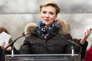 Twitter all praise for Scarlett Johansson over quitting trans man's role