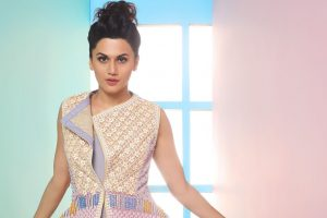 Taapsee screens Soorma for Badla team in Scotland